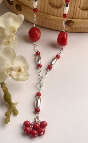 N0593 - NECKLACE WITH NATURAL RED CORAL BEADS (FREE EARRINGS)