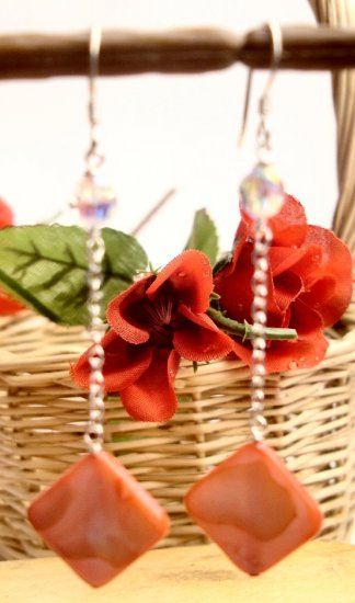 E0033 - EARRINGS WITH BEAUTIFUL  LIGHT RED SHELL (FREE SHIPPINGS)