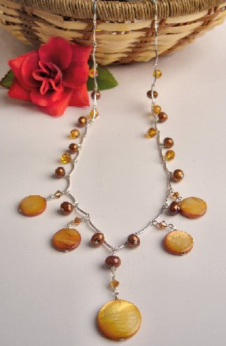 N06614 - NECKLACE WITH LIGHT BROWN SHELL - RED FRESHWATER PEARLS - SWAROVSKI CRYSTAL*