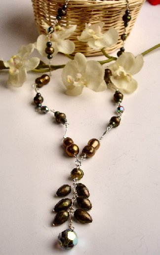 N06804 - NECKLACE WITH GREEN FRESHWATER PEARLS BEADS - SWAROVSKI CRYSTAL AB (FREE EARRINGS)