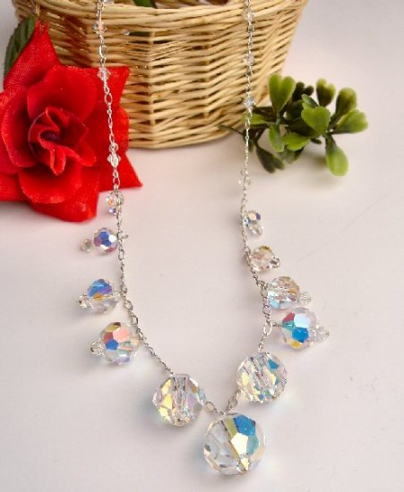 N06754 - NECKLACE WITH BEAUTIFUL SWAROVSKI CRYSTAL  AB (FREE EARRINGS)