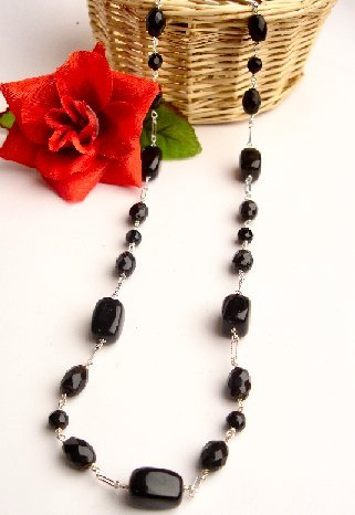 N06794 - NECKLACE WITH BEAUTIFUL BLACK ONYX BEADS (EARRINGS)