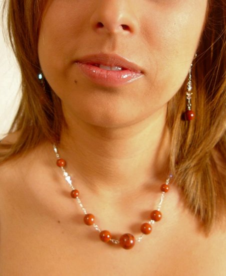 N06604 - NECKLACE WITH AUTHENTIC BROWN HOWLITE - SWAROVSKI CRYSTAL AB (FREE EARRINGS)