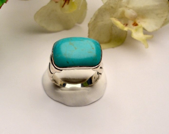 R0009 - RINGS WITH NATURAL GREEN TURQUOISE (FREE SHIPPING)