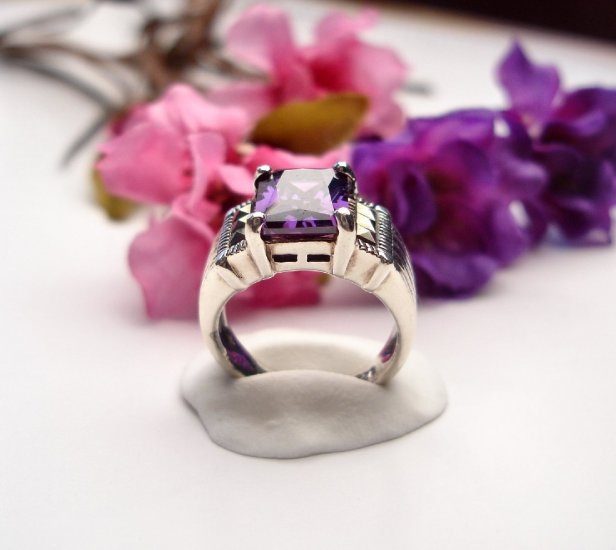 R0020 - RING WITH PURPLE AMETHYST CUBIC ZIRCONIA (FREE SHIPPING)