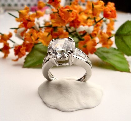 R0027 - RING WITH CLEAR CUBIC ZIRCONIA / BAGUETTES (FREE SHIPPING)