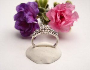 R0057 - RING WITH CLEAR CUBIC ZIRCONIA (FREE SHIPPING)