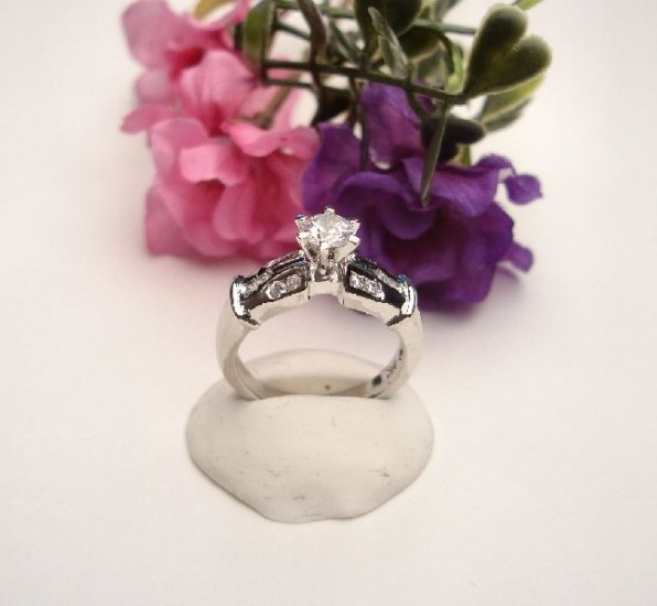 R0079 - RING SOLITAIRE  WITH CUBIC ZIRCONIA (FREE SHIPPING)