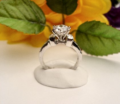 R0072 - RING  SOLITAIRE WITH CLEAR CUBIC ZIRCONIA (FREE SHIPPING)
