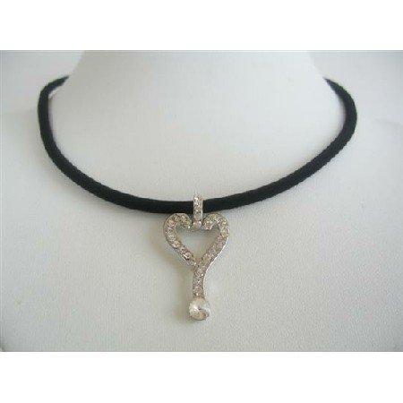 UNE134  Key Pendant Necklace Cubic Zircon Key Pendant Necklace Black Velvet Chord Choker