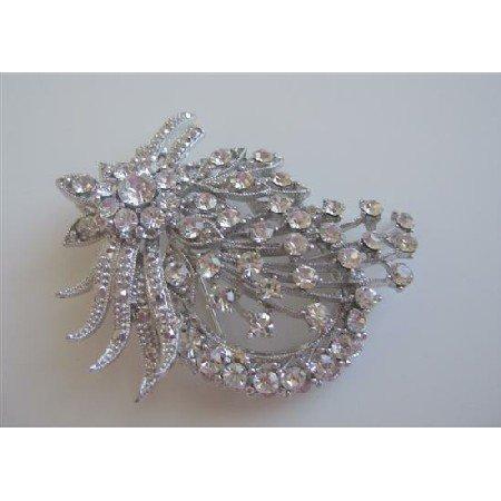 B011  Vintage Brooch Sparkling Simulated Diamond Delicate Work On Brooch