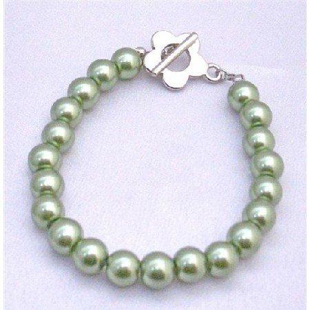 U020  Smooth Dainty New Light Green Pearls Bracelet Jewelry w/ Flower Toggle Clasp