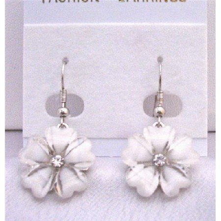 D140  Enamel White Flower Earrings With Simulated Diamond Stud In Center Dollar Earrings