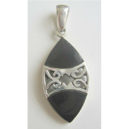 SPEN025  Pure Sterling Silver Pendant 92.5 w/ Onyx Inlay Pendant Weight 6.7 gm