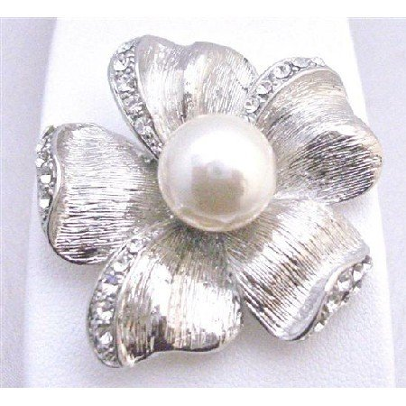 B344 Flower 5 Petals Brooch w/ White Pearls In the Middle Bridal Affordable Inexpensive Brooch