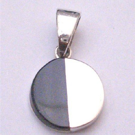 SPEN035  Round Pendant Half Shaded Onyx Black And Sterling Silver Pendant