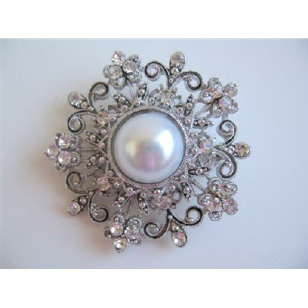 B050 Round Brooch Fully Embedded w/ Simulated Diamond w/ Pearls Center