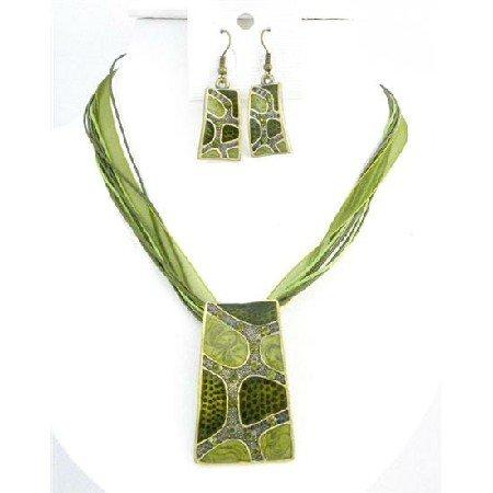 NS749 Olivine Green Enameled Self Designed Necklace Set Dainty w/ Rhinestones