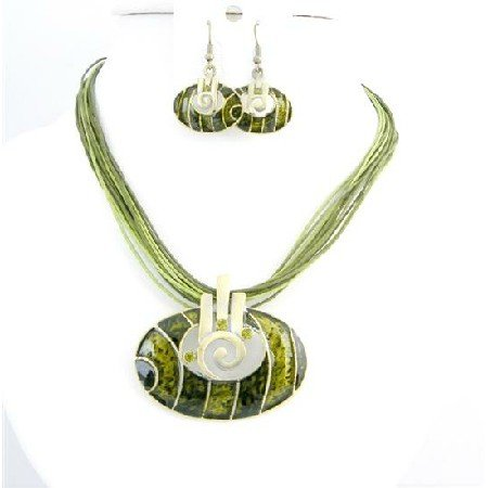 NS755 Round Oval Pendant Jewelry Set Olivine Dark & Light Shaded With Gold Metal Jewelry