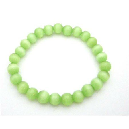 UBR205  Adorable Beautiful Green Under Stretchable Cat Eye Bracelet
