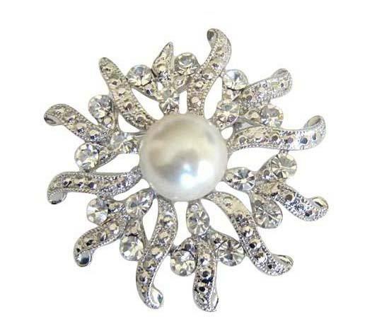 B019  Sparkling Beautiful Round Brooch w/ Cubic zircon & Pearls