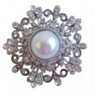 B050 Creative Designer Brooch Round Fully Embedded w/ Simulated Diamond w/ Pearls Center
