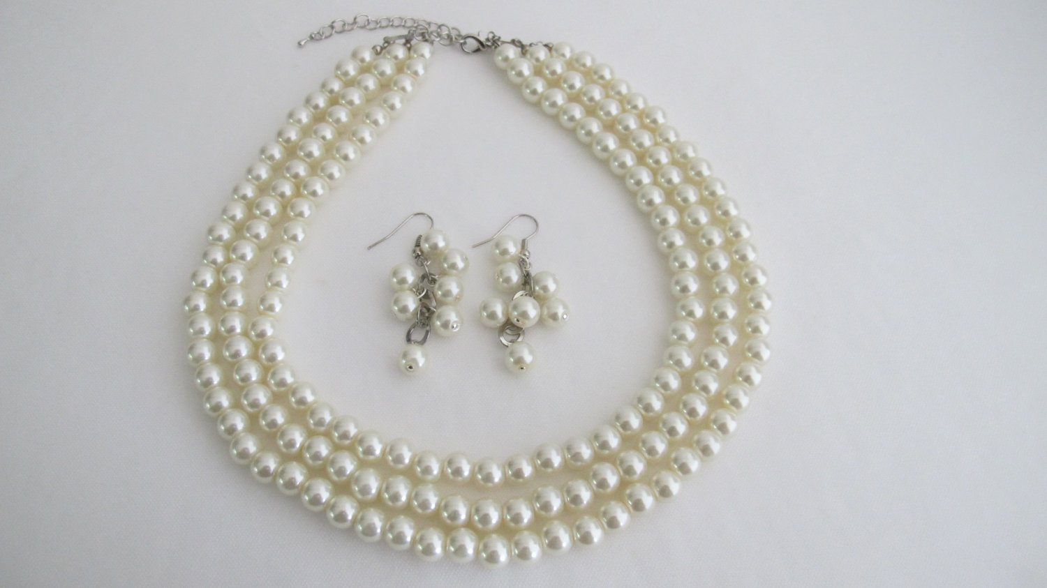 NS1306 Exclusive Wedding Jewelry Ivory Pearls Three Stranded Necklace Grape Earrings