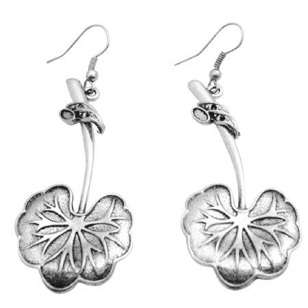 UER466 Metal Stem w/ Metal Leave Dangling Earrings Artistic Designed Earrings