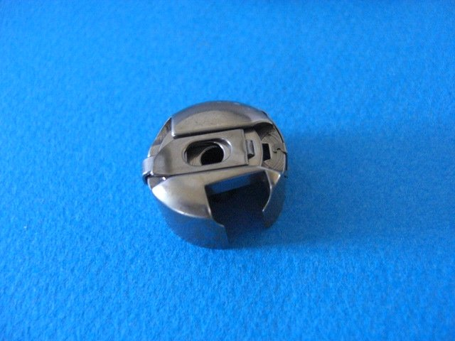 Sewing machine Bobbin Case Pfaff 130 200 1200 Series Part #9076
