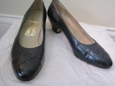 Navy Leather Salvadore Ferragamo Pumps Size 4.5B 4-1/2 B