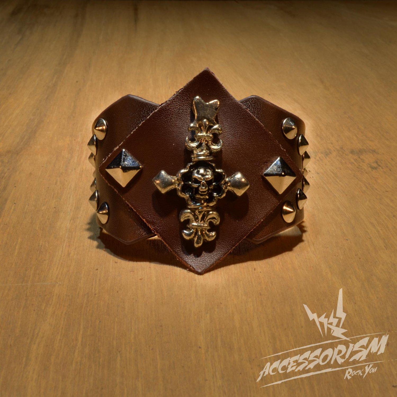 Gothic Skull Cross Spike Stud Brown Leather Wristband (B617RN)