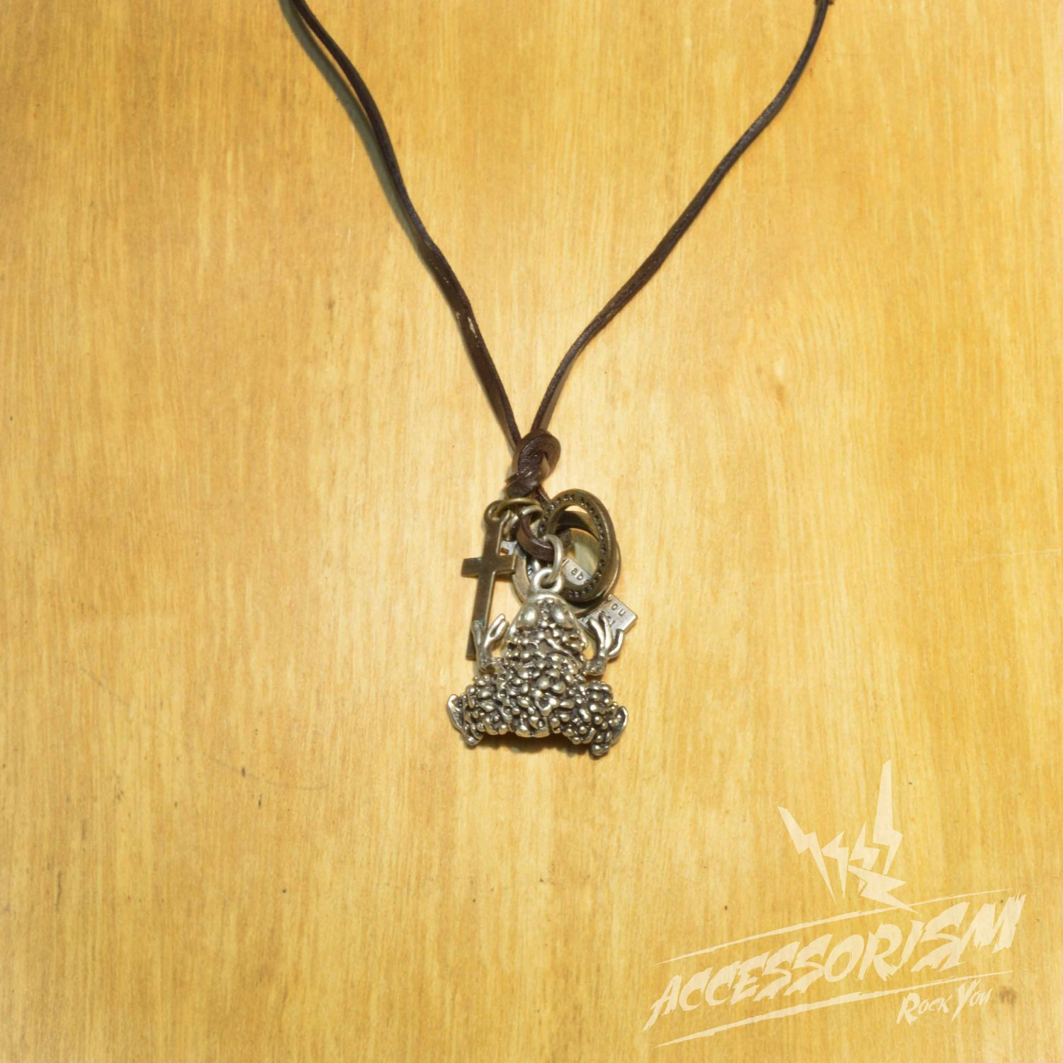 Free Shipping Frog Pendant with Cross and Circle Rings Necklace (N664S)