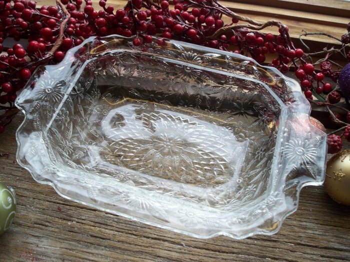 """Indiana Depression Glass No. 618 Pineapple~Floral 10"""" Oval Vegetable Bowl"""