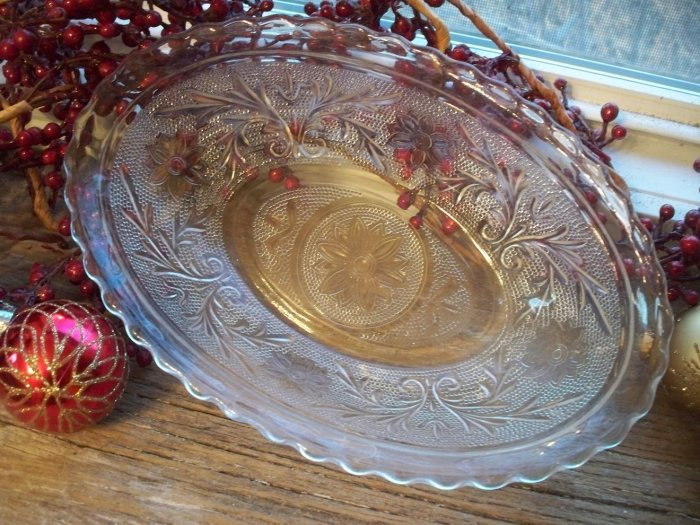 "Anchor Hocking Crystal Sandwich 8-1/2"" Oval Scalloped Edge Bowl"