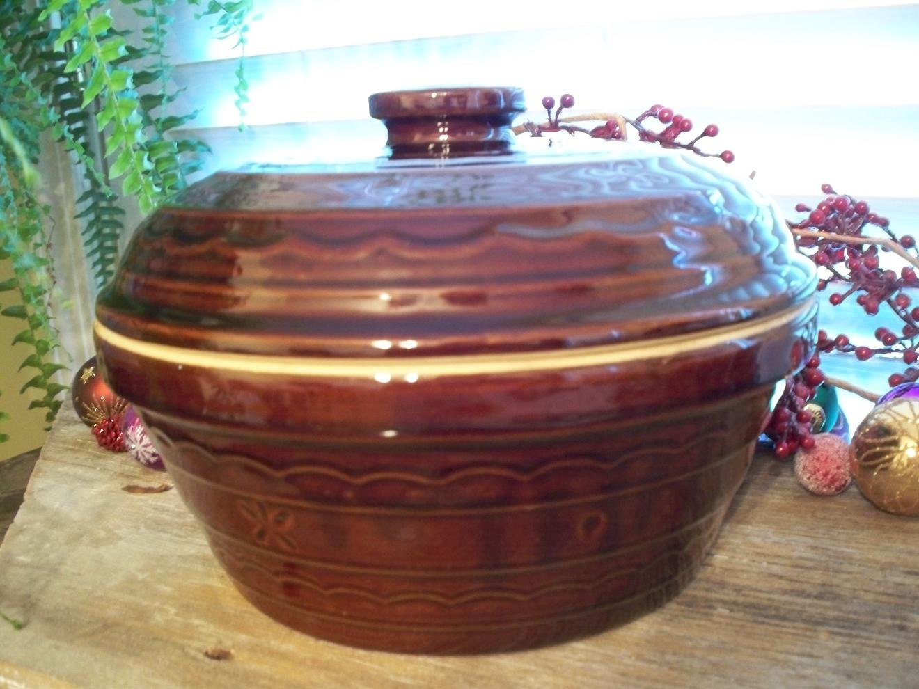 Vintage Marcrest DAISY DOT Brown Pottery 3 Quart Dutch Oven with Lid