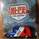 GREENLIGHT - BLUE COLLAR - 1976 DODGE B100 VAN - 1:64 - Red, White & Blue Mopar