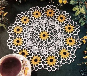 Pattern Black Eyed Susan Crochet Doily, Vintage Floral Centerpiece