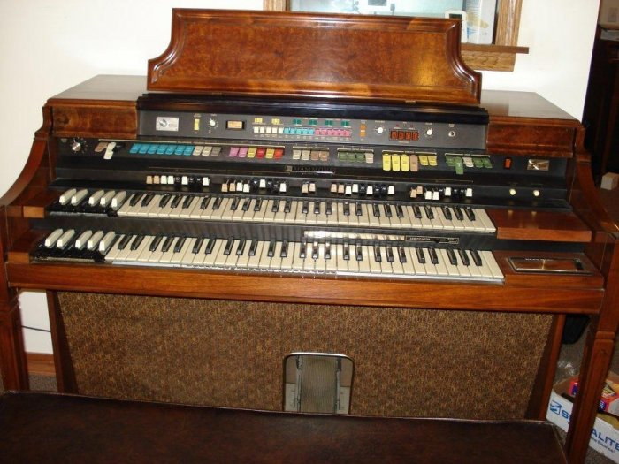 Vintage hammond concorde organ w leslie speaker for Classic house organ sound