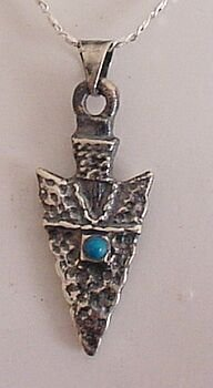 STERLING SILVER ARROWHEAD PENDANT WITH TURQUOISE+CHAIN