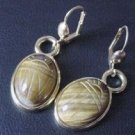 1950 PERIOD VINTAGE TIGER EYE INTAGLIO SCARAB GOLD EARRINGS *UNUSUAL*