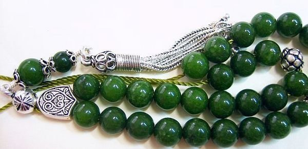DEEP GREEN JADE AND STERLING SILVER GREEK KOMBOLOI WORRY BEADS
