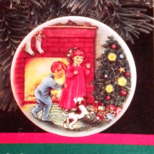 "Hallmark #3 ""Morning Of Wonder"" Ornament Plate 1989"
