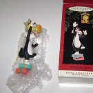 "Hallmark "" Hang Together "" Keepsake Ornament Sylvester & Tweety Looney Tunes"