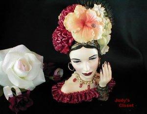 3594~Retired Rumba Beauty Cameo Girls Head Vase