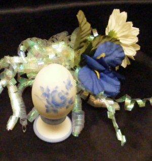 3761  Blue Roses On White Satin
