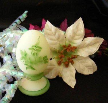 3746 Fenton Green Roses On Custard