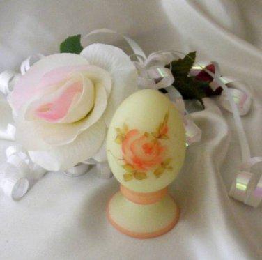3610 Fenton Roses On Custard Pedestal Egg