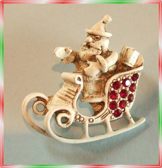 Christmas Pin Signed Dodds Vintage Santa in Sleigh 9504