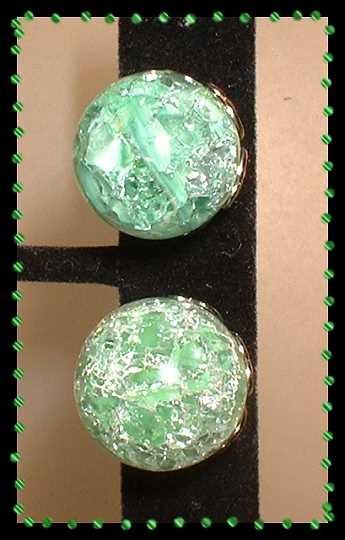 Glass Earrings Vintage Mint Green Crackle Glass Orbs 9154