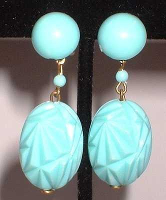 Vintage Plastic Earrings Sky Blue w Diamond Facets 6271